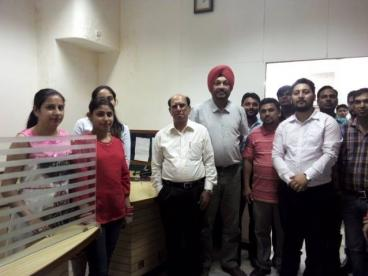 Mr. AK Bhandari, CEO, Skill Council for Mining Sector, with Eduworld Team during his visit to Eduworld head office at Mohali.